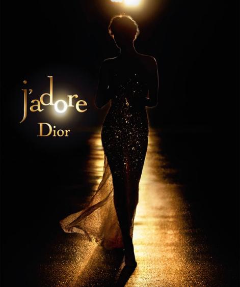 迪奥 (Dior) 携查理兹·塞隆 (Charlize Theron) 演绎全新大片