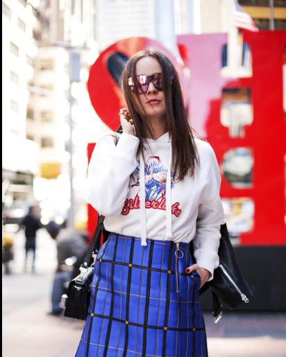 :时尚博主示范两种搭配、三个元素 让你每天上班上学都不重样