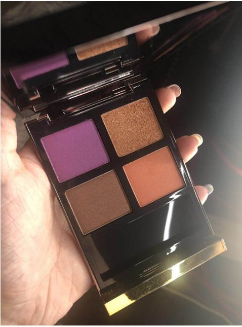 """素有""""贵妇""""品牌之称的TOMFORD彩妆 新推出了全新配色的四色眼影"""