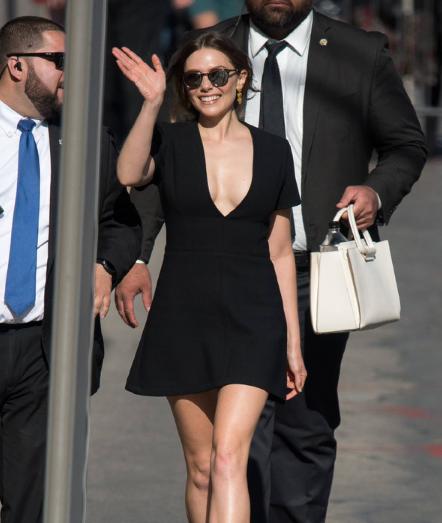 伊丽莎白·奥尔森 (Elizabeth Olsen) 近期街拍合集