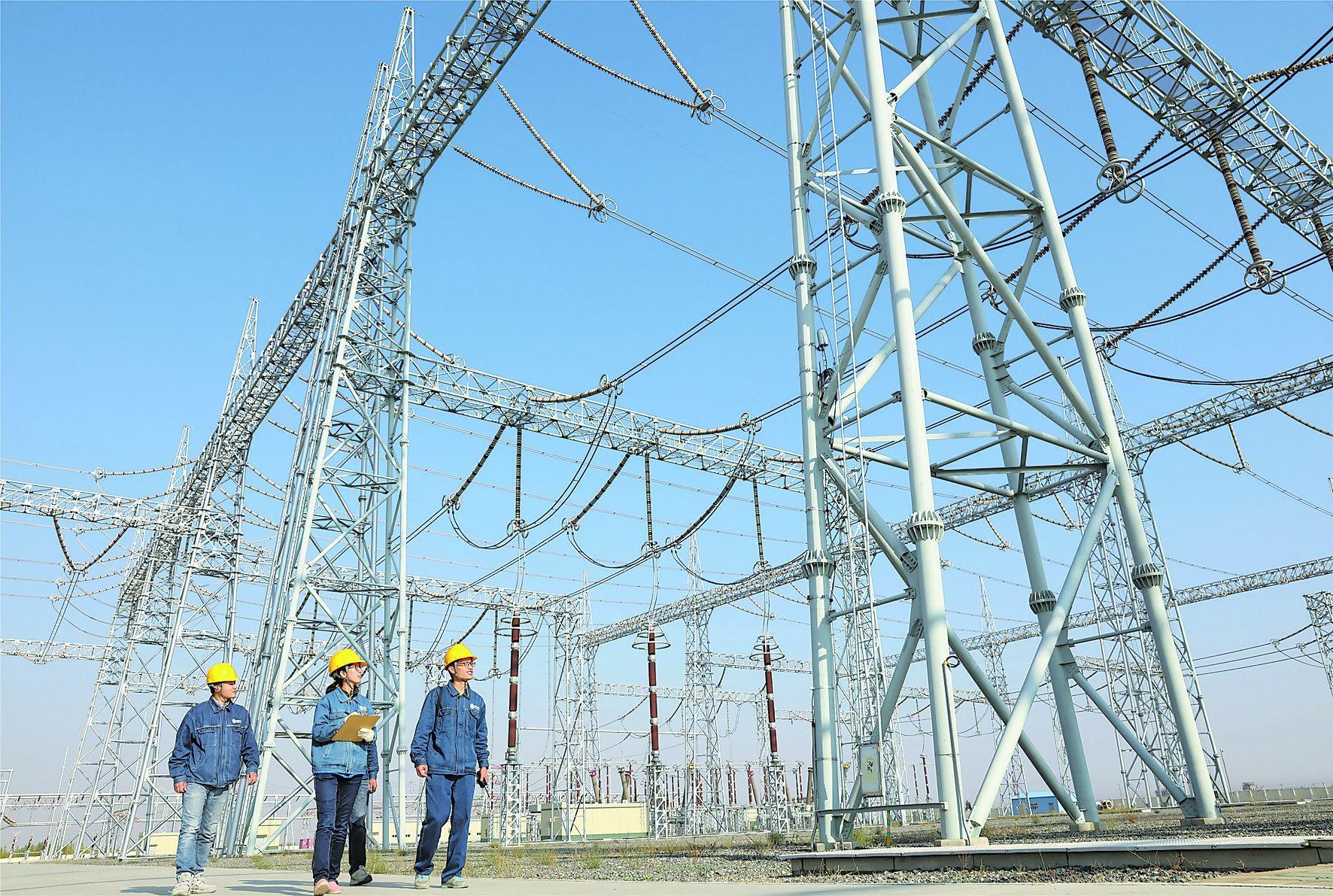 国网新疆电力全面加强输变电设备巡视检查