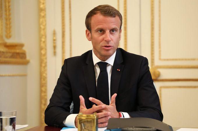 法国遭遇13年来最严重骚乱