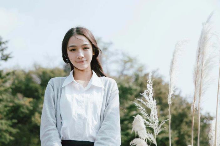 张南清新写真曝光 绽放氧气般笑容少女感十足