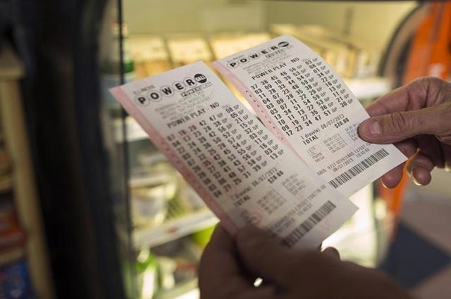 大家如果买彩票中了一个亿 该如何去领取?多久能成功到账?