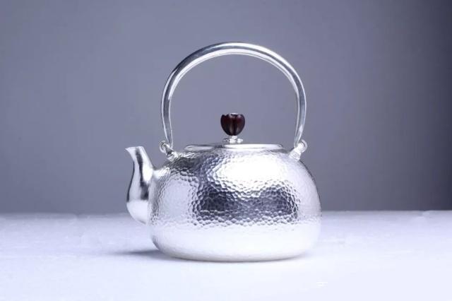 银壶烧水有哪些优势?银壶烧水要很久吗?