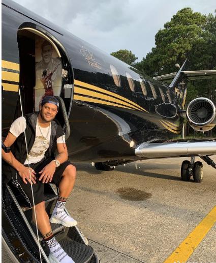 胡尔克上港挣钱回巴西买私人飞机 开超市投资五星级酒店