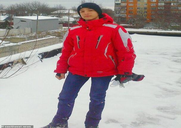 少年自制降落坠亡 母亲和许多成年人都在现场