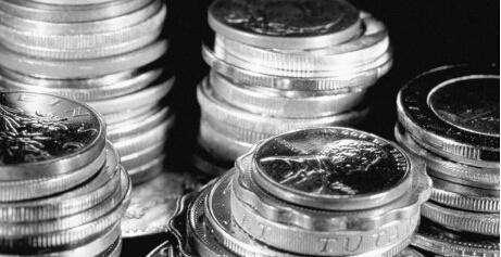 现货白银上一交易日冲高回落 日线收一根小阴线