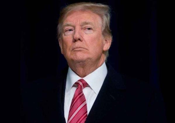 号外!美国政府关门,特朗普欲炒掉鲍威尔,黄金机会来了!