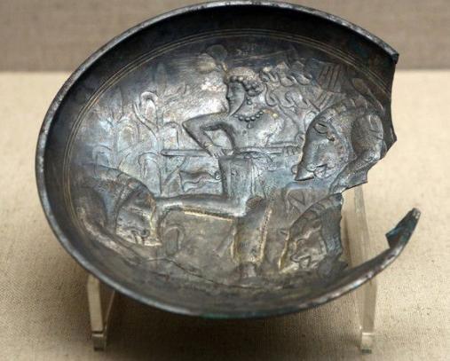 """武将墓中的""""破银器"""" 竟成了山西博物馆的镇馆之宝"""