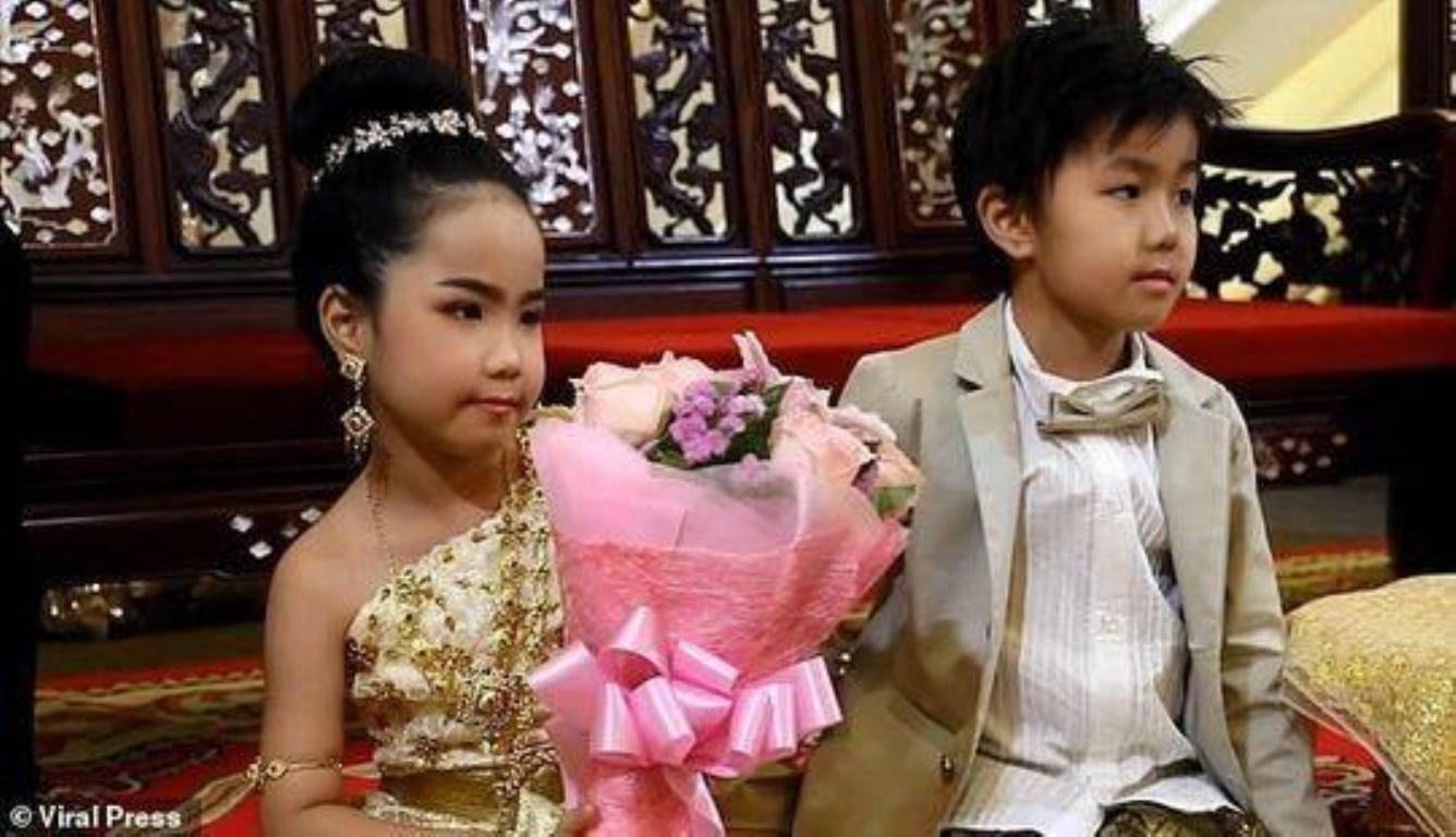 泰国龙凤胎举办婚礼 他们真的是前世恋人吗?