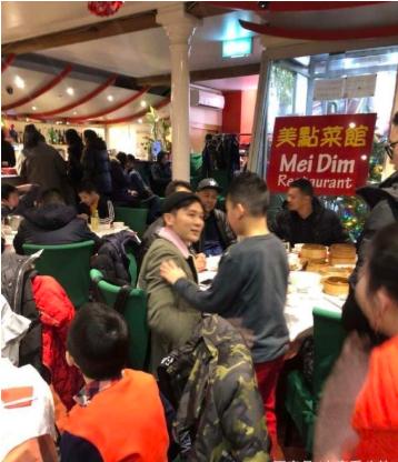 李晨现身英国餐厅 吃便宜餐馆被网友调侃贴补家用?