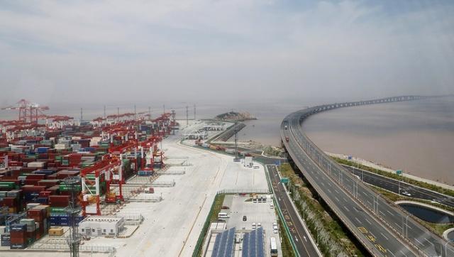 120位浦东海归走进上海自贸区 提出建议