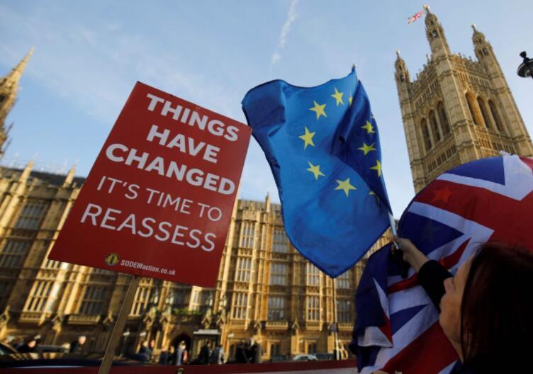 英国民意转弯倾向留在欧盟