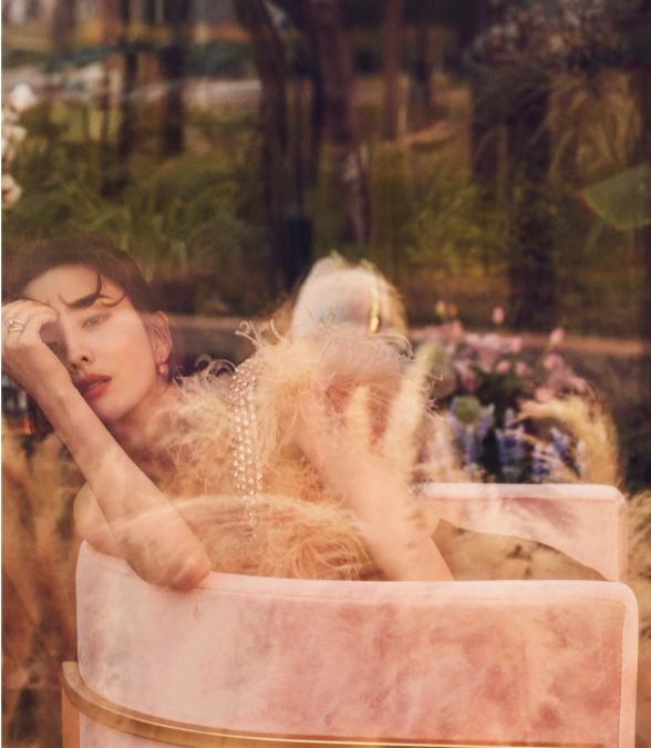 佟丽娅复古时尚写真曝光 诠释动人魅力