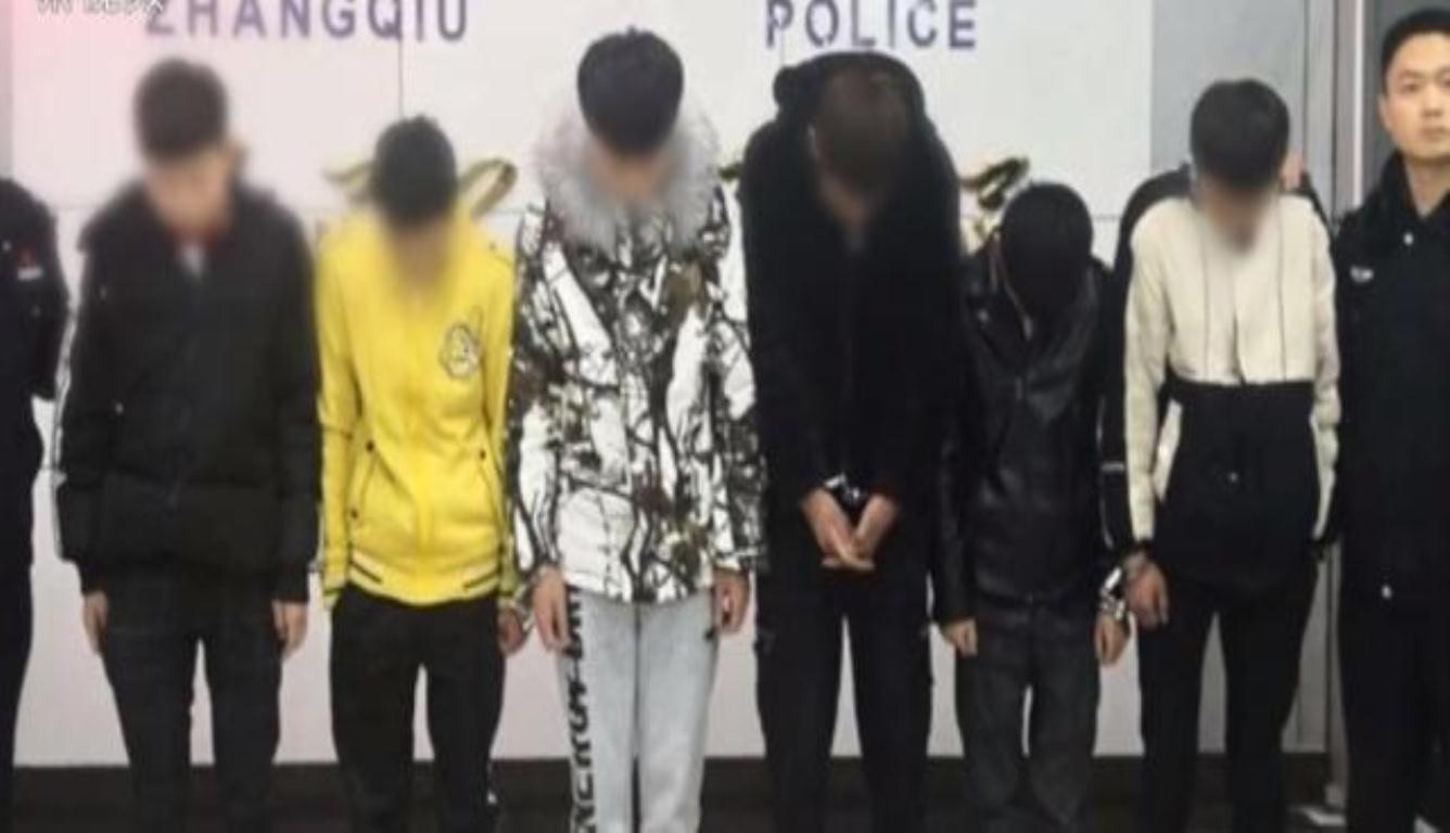 6名男主播穿日军服被拘 平均年龄十八九岁