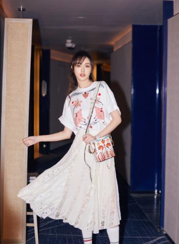 蔻依 (Chloe) 推出2019中国新年特别系列
