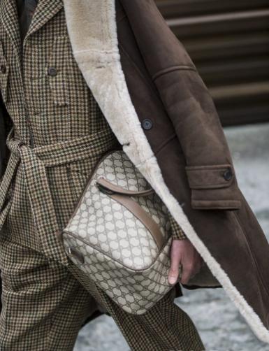 """2019秋冬佛罗伦萨男装展 (Pitti Uomo) 街拍:欢迎来到西装绅士的""""旧世界""""!"""