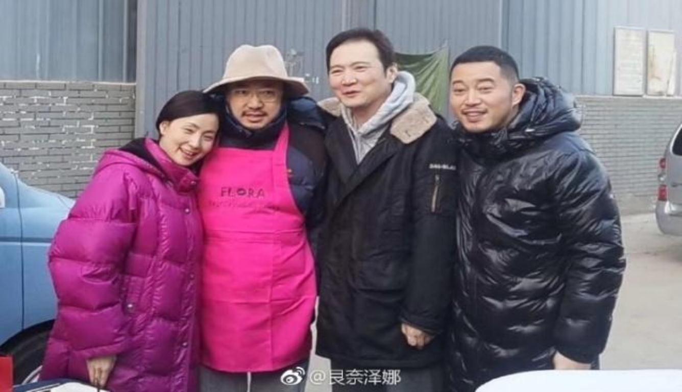 徐峥剧组为老婆庆生 结婚十五年生活依旧甜蜜