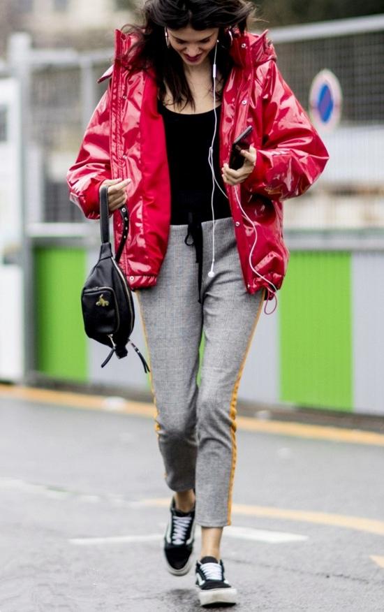 皮革羽绒服虽然保暖,但应该怎么搭配你知道吗