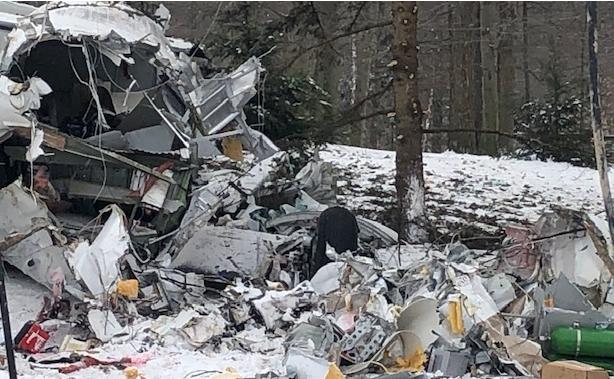 美国古董飞机坠毁:两名飞行员丧生