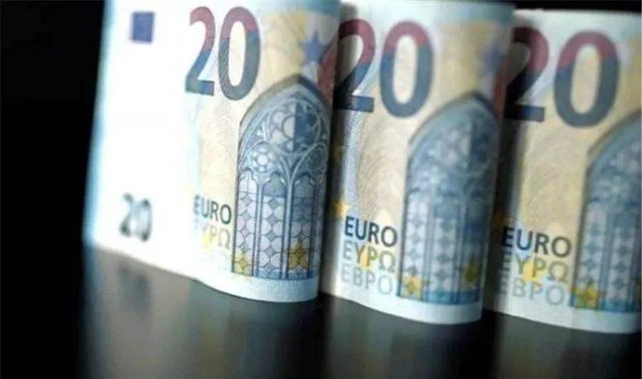 """欧元被拽下""""悬崖"""" 恐重测17个月低点?"""