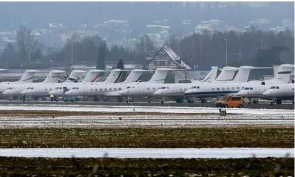 1500架私人飞机赴达沃斯讨论气候问题 呼吁环保?