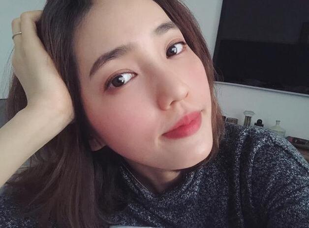 王棠云被称赞辣妈 产后罕见发照