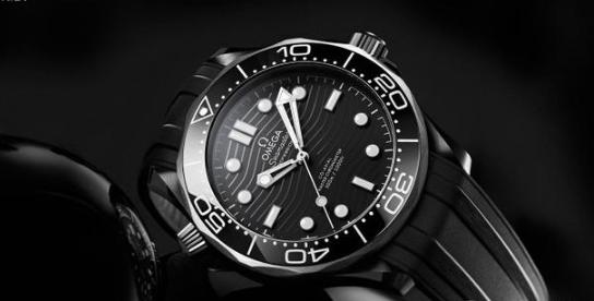欧米茄推出全新海马系列300米陶瓷潜水腕表