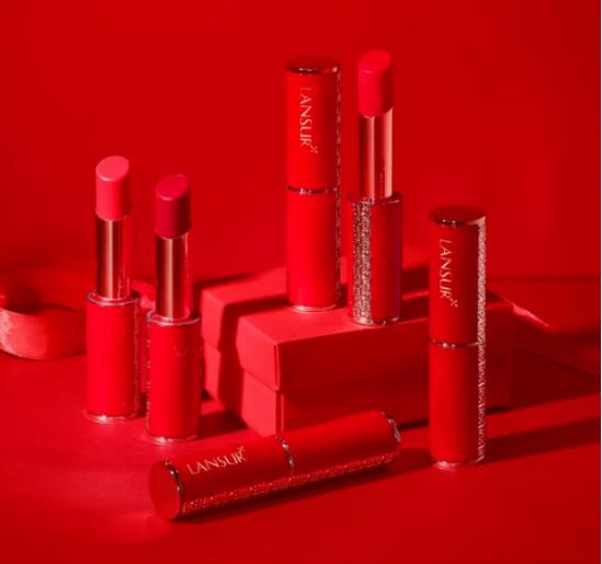 兰瑟彩妆推出的兰瑟小红管 源自植物色彩灵感