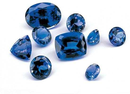 蓝宝石是时尚单品 还是奶奶级别的单品