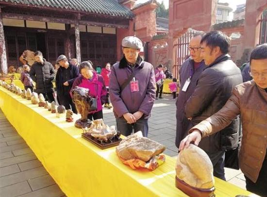 1000件玉石精品在资中县域武庙开展