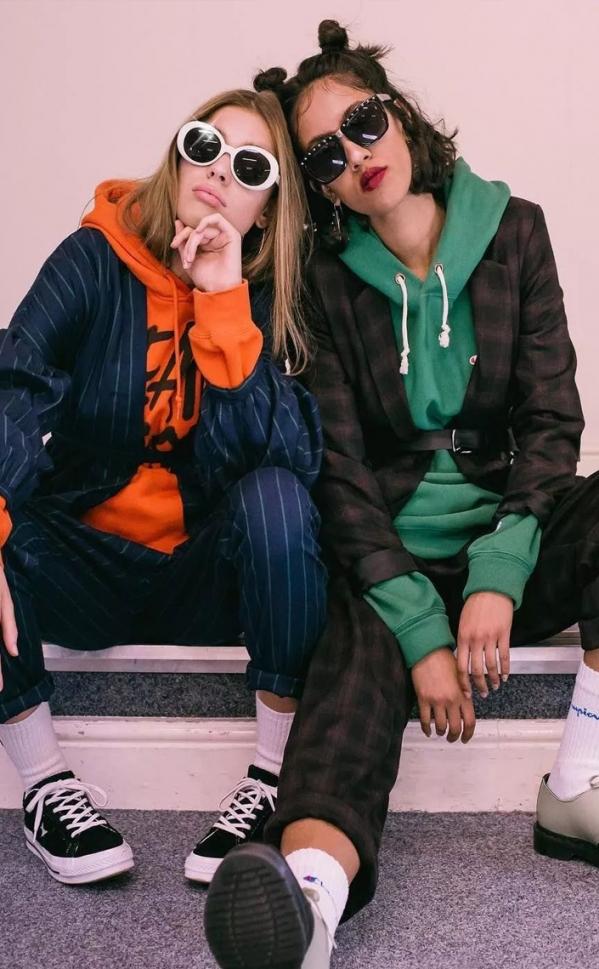 卫衣搭外套 层次感带来时尚运动风潮
