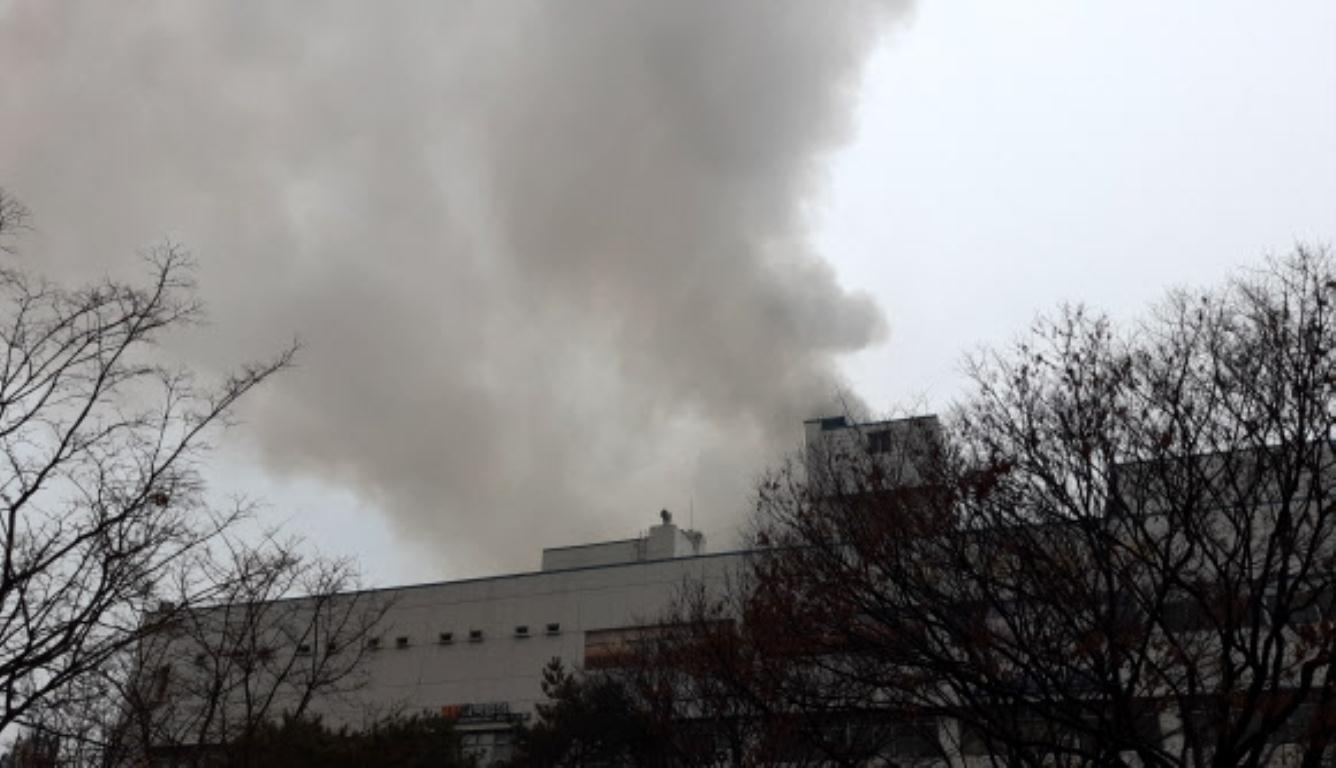 韩国一桑拿房起火致2死40多人受伤 起火原因还在调查