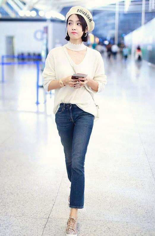开春毛衣成主场 搭配基础款牛仔裤简约时尚