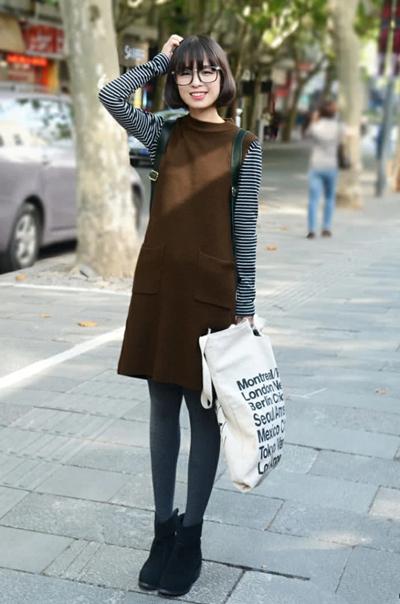 时尚达人街拍造型示范 穿好针织裙超显身材