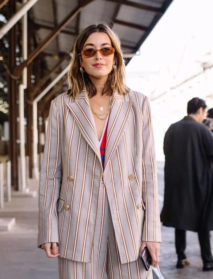 欧美服装流行趋势示范 oversize西装让你显瘦有气质
