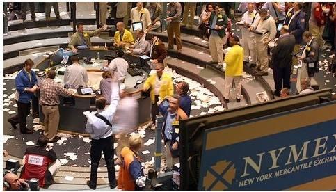 投资者避险助推金价上涨 白银期货惨遭抛弃?