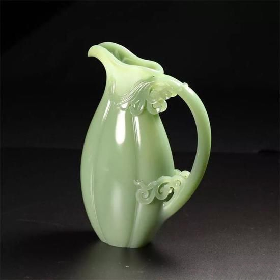 王金高:继承了传统玉雕技艺 又结合了创新的元素