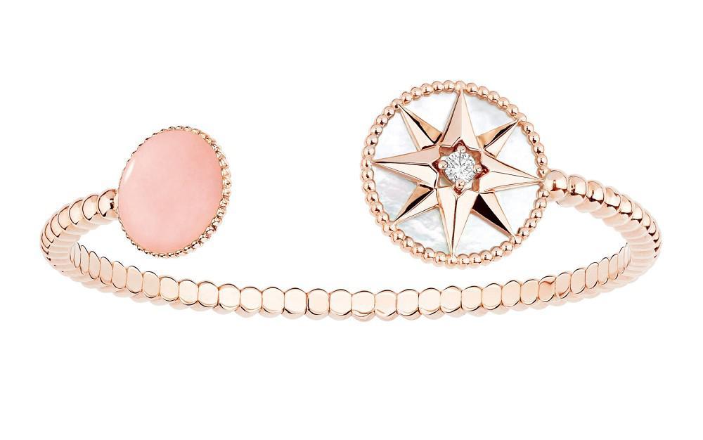 Dior推出以八芒星为主题的新一季手镯作品——「Rose des vents」