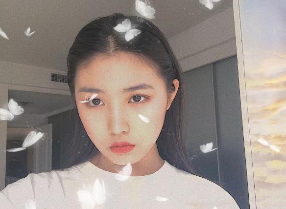 汪峰女儿疑早恋 被赞美如刘亦菲和童星互动频繁