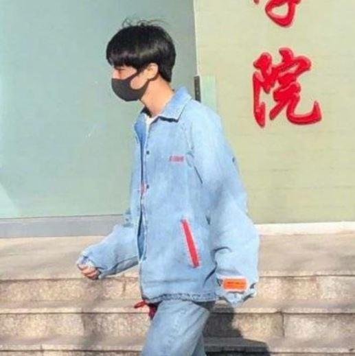 王俊凯北电开学 无人陪伴是怎么回事?