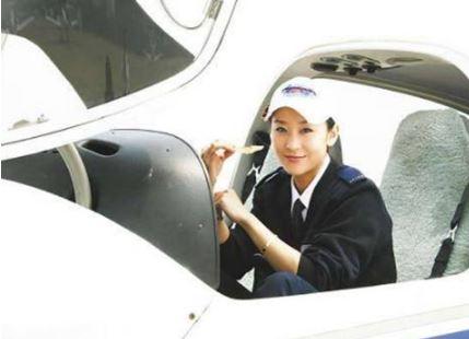 中国内地第一位拥有飞机驾照的女艺人 你知道是谁吗