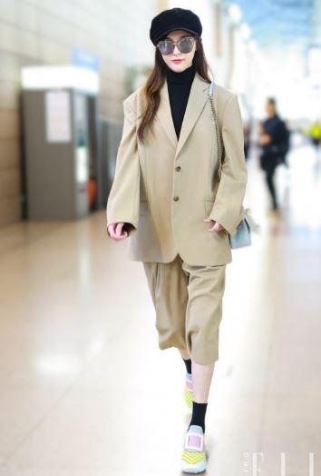今春最slay的穿搭款 唐嫣的西装加中裤