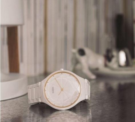 腕间瑰宝 RADO瑞士雷达表True Thinline真薄系列星钻腕表