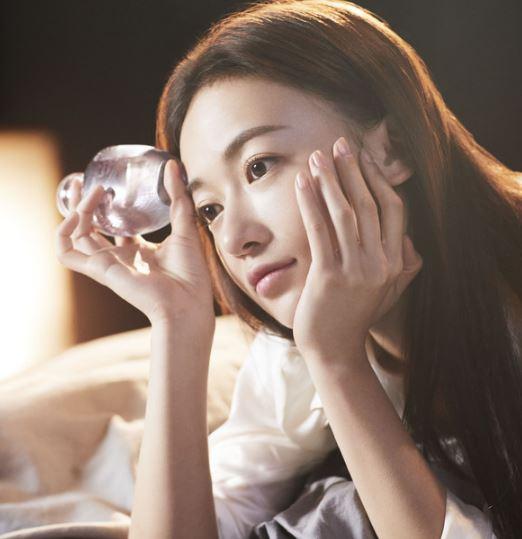 菲拉格慕Amo Ferragamo女士香水品牌大使吴谨言演绎全新广告大片