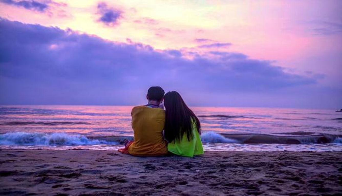 向佐晒与郭碧婷?#38505;?两人海边相依十分甜蜜