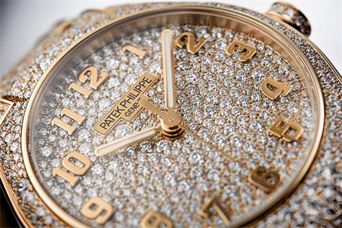 百达翡丽发布玫瑰金高级珠宝款 以密镶钻石彰显设计之美