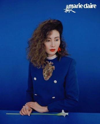 杨幂撞衫李嘉欣 一套蓝色古驰套装两种女人味