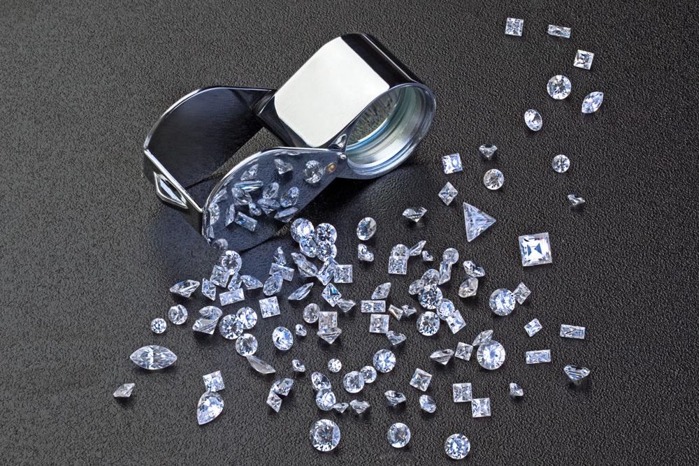 """GIA宣布用""""实验室培育钻石""""替代""""合成钻石"""""""